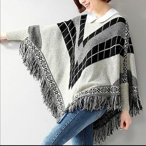 Yaira grey tribal poncho size L/XL